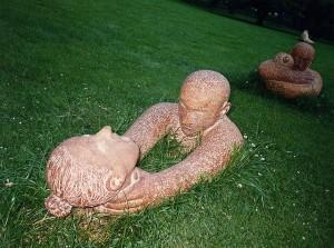 Strangling statues | David Sim
